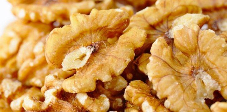Luscious Caramelized Walnuts recipe