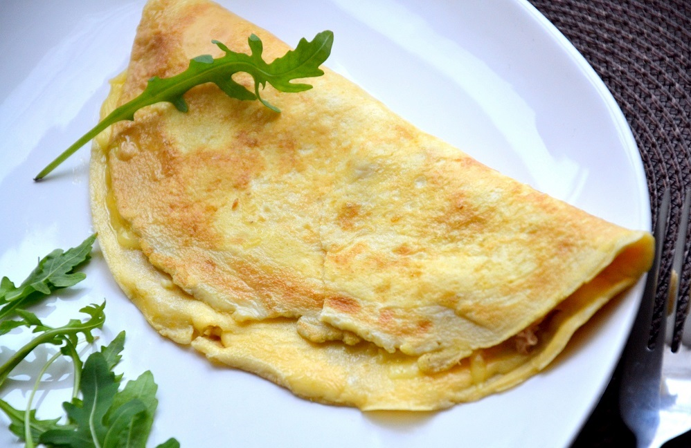 Omelette with Tuna For Your Lazy Mornings recipe