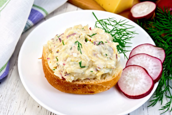 Fresh Tuna and Egg Salad recipe